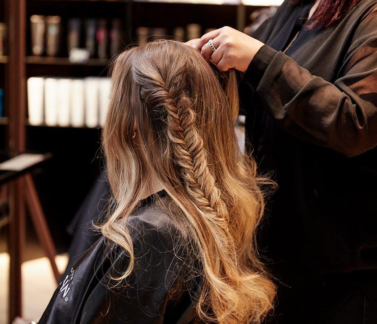 Dit zijn de 5 redenen waarom je juist nú naar de kapper wil.